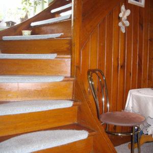 Treppensanierung Treppenrenovierung eines Eingangsbereichs vorher