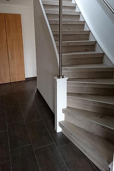 Treppenrenovierung Treppensanierung Holztreppe nachher